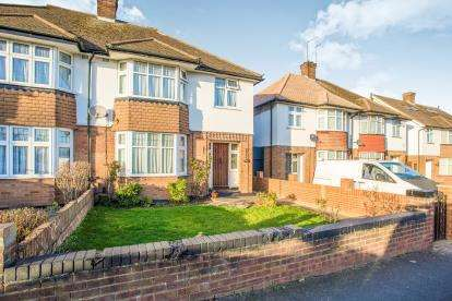 3 Bedrooms Semi Detached House for sale in St. Albans Road, Watford, Hertfordshire, .