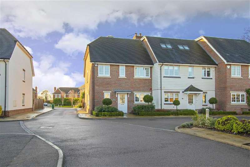 4 Bedrooms End Of Terrace House for sale in Charrington Close, Radlett, Hertfordshire