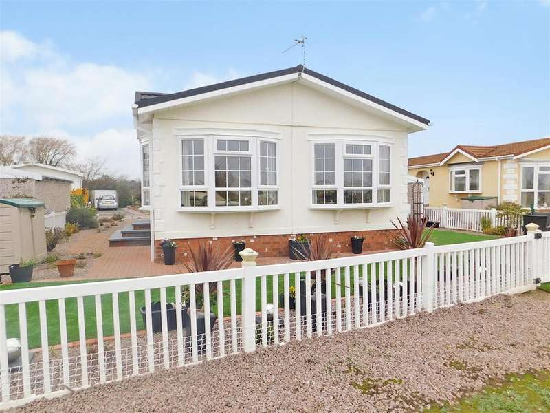 2 Bedrooms Park Home Mobile Home for sale in Kingfisher Drive, Beacon Park Home Village, Skegness, PE25 1TQ