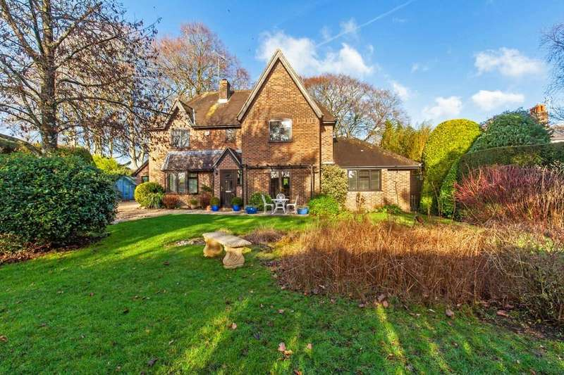 4 Bedrooms Detached House for sale in Old Station Road, Itchen Abbas, Winchester, SO21