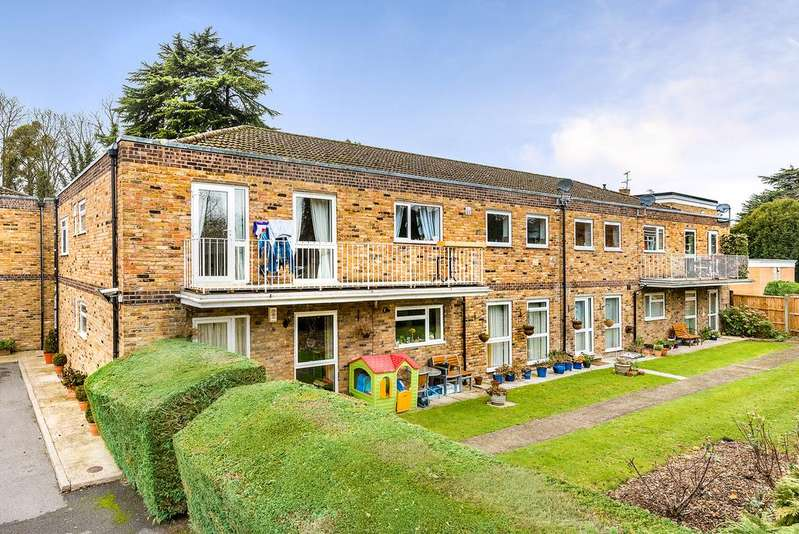4 Bedrooms Apartment Flat for sale in Old Windsor
