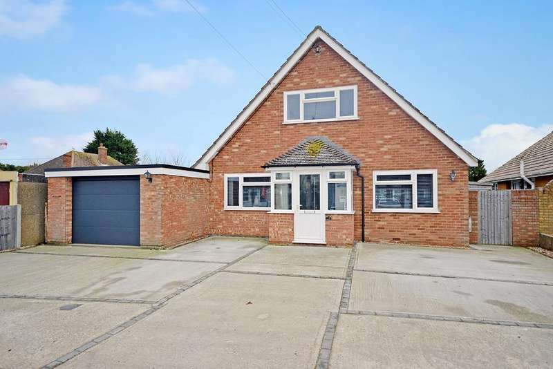 4 Bedrooms Detached House for sale in Seaway Gardens, St Marys Bay