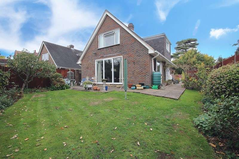 4 Bedrooms Detached House for sale in Mount Drive, Catisfield