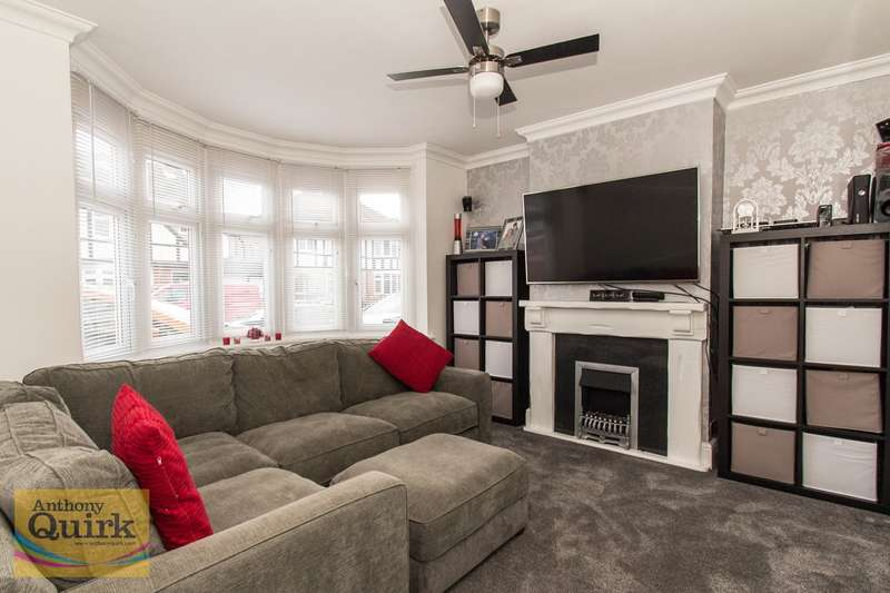 3 Bedrooms Semi Detached House for sale in Highfield Gardens, Grays, RM16