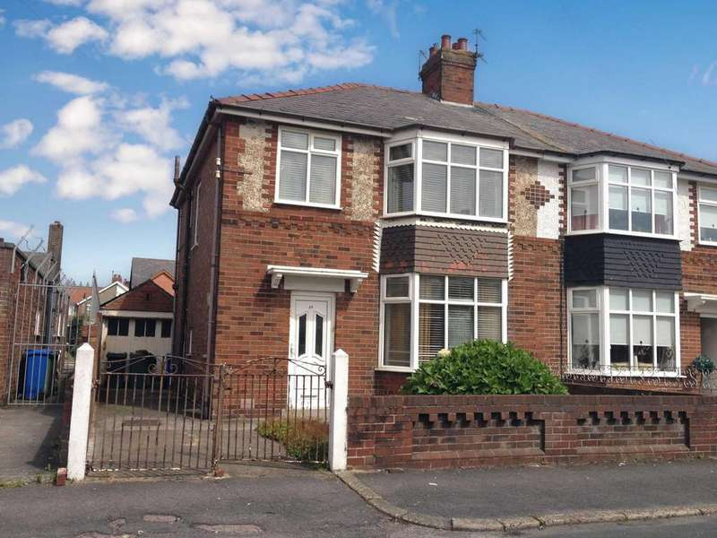 3 Bedrooms Semi Detached House for sale in Dronsfield Road, Fleetwood, Lancashire, FY77BW