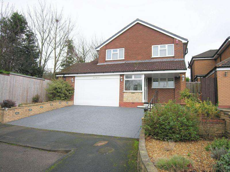 4 Bedrooms Detached House for sale in Truro Road, Walsall