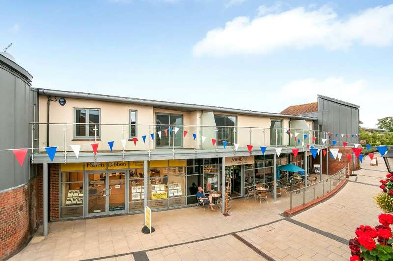 1 Bedroom Flat for sale in Latimer Walk, Romsey, Hampshire, SO51
