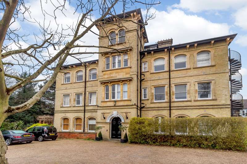 2 Bedrooms Apartment Flat for sale in Hanworth