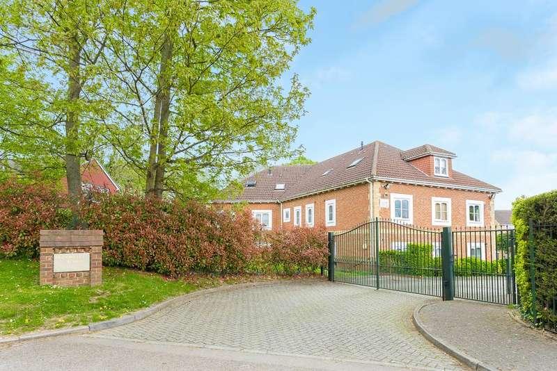 2 Bedrooms Apartment Flat for sale in Windsor Lane, Burnham