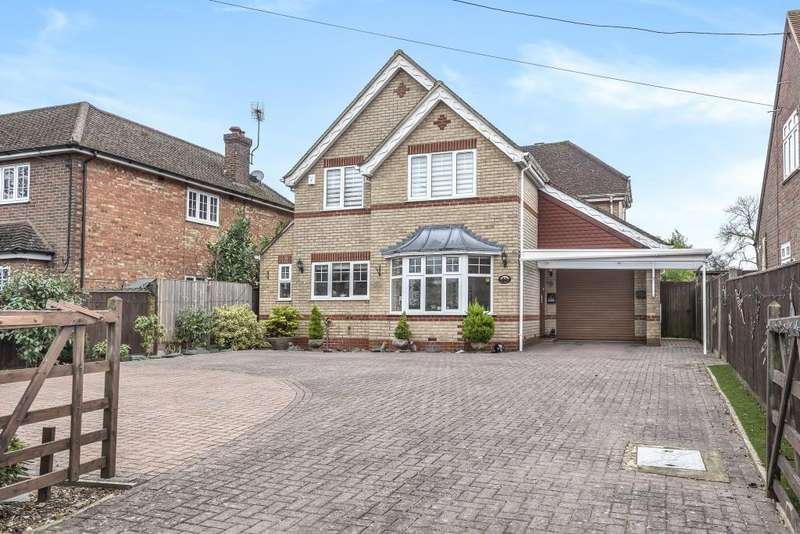 4 Bedrooms Detached House for sale in Widmer End, Buckinghamshire, HP15