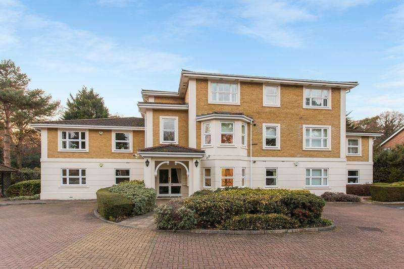 2 Bedrooms Apartment Flat for sale in Sovereign Beeches Green Lane, Farnham Common, Buckinghamshire SL2