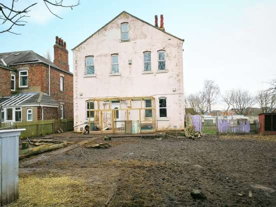 6 Bedrooms Detached House for sale in Acklam Road, Stockton-On-Tees, Cleveland, TS17 7JT