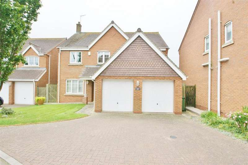 5 Bedrooms Detached House for sale in Wiggins Close, Rugby