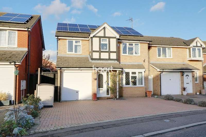 4 Bedrooms Detached House for sale in Flanders Field, Colchester