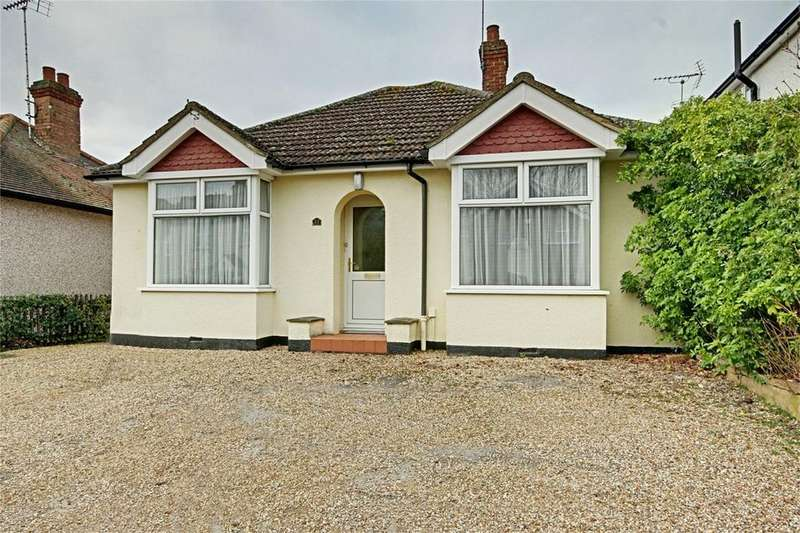2 Bedrooms Detached Bungalow for sale in Vantorts Road, Sawbridgeworth, Hertfordshire