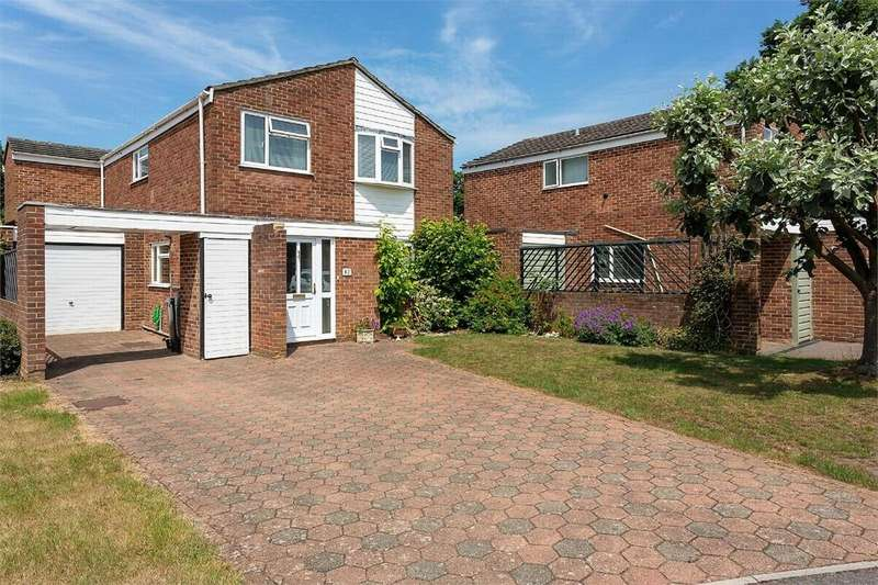 4 Bedrooms Detached House for sale in Warren Rise, FRIMLEY, Camberley, Surrey