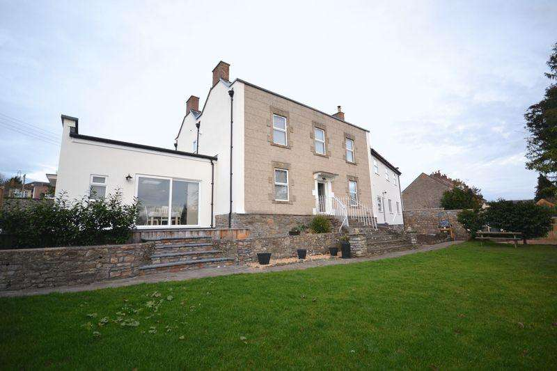 4 Bedrooms Detached House for sale in Bath Road, Willsbridge, Bristol