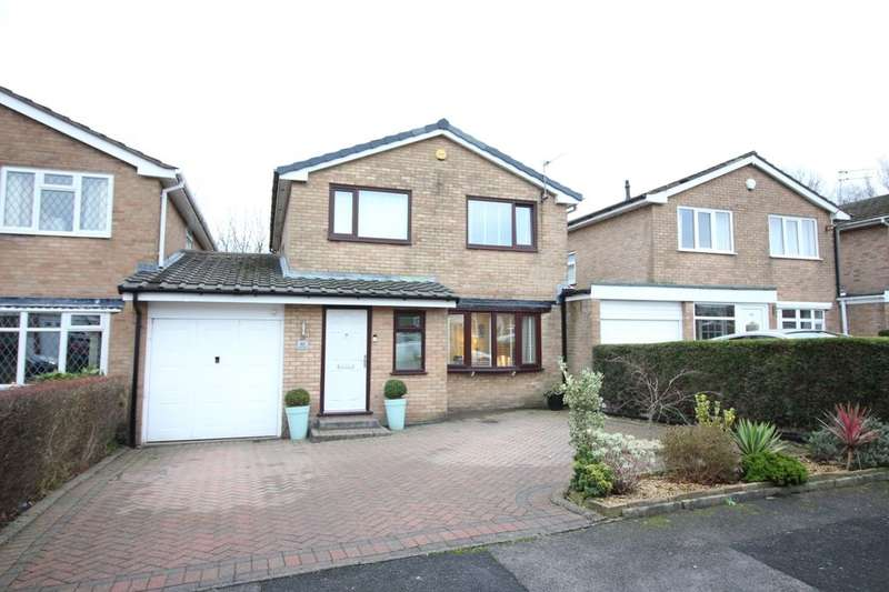 4 Bedrooms Detached House for sale in Grantham Drive, Bury, BL8