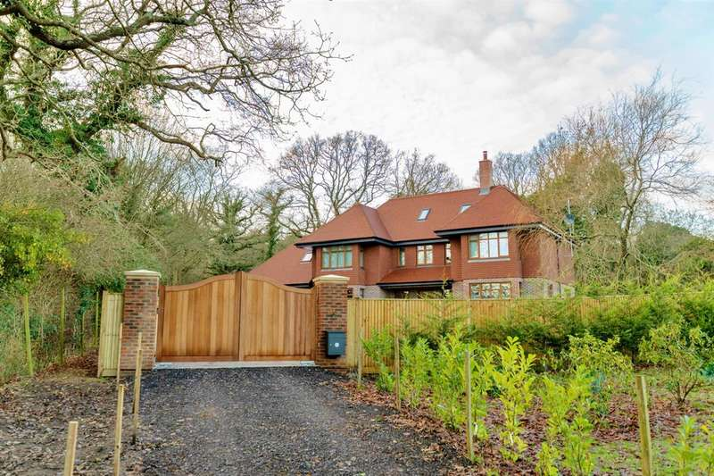 5 Bedrooms Detached House for sale in Oaklands, Whitesmith, Nr Lewes