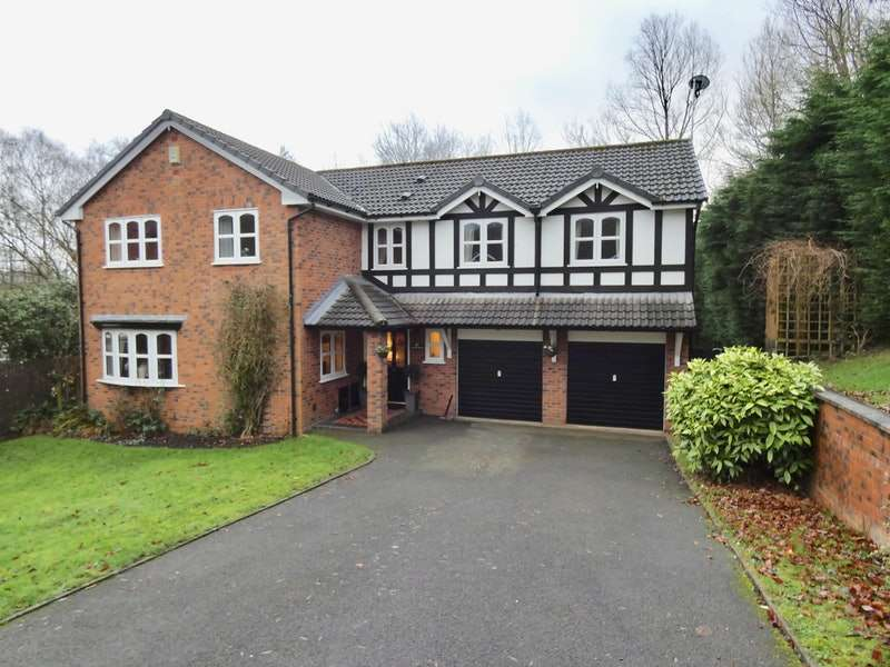 5 Bedrooms Detached House for sale in Cranleigh, Wigan, Greater Manchester, WN6
