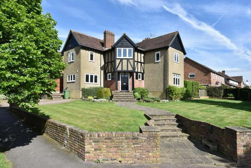 4 Bedrooms Detached House for sale in The Avenue, Potters Bar, Herts