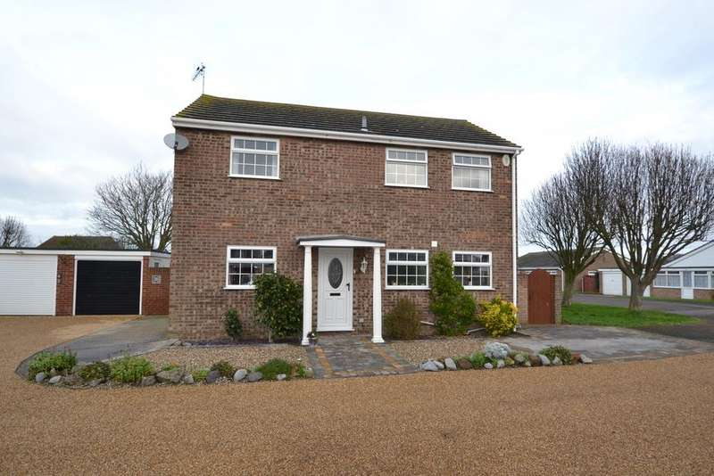 4 Bedrooms Detached House for sale in Woodbridge Grove, Clacton-on-Sea, Essex CO16