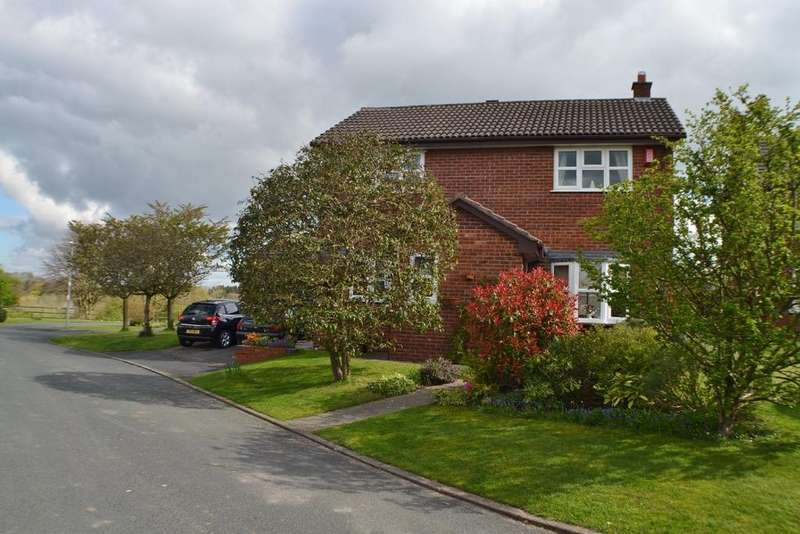 3 Bedrooms Detached House for sale in Ash Close, Holmes Chapel