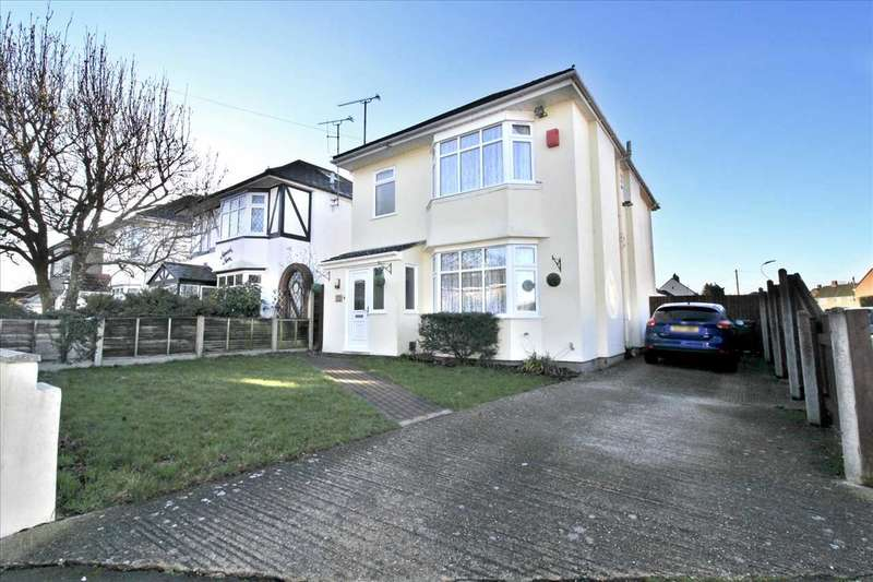 3 Bedrooms Detached House for sale in Millhams Road, Bournemouth