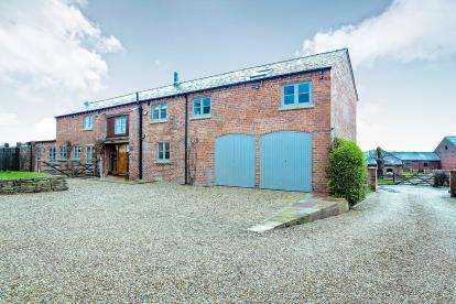 4 Bedrooms Barn Conversion Character Property for sale in Woodhouse End Road, Gawsworth, Macclesfield, Cheshire
