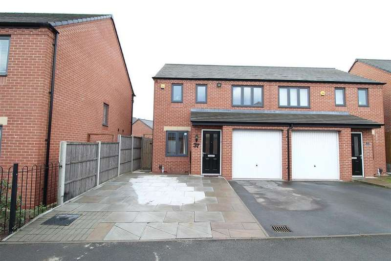 3 Bedrooms Semi Detached House for sale in Northolt Drive, Wolverhampton