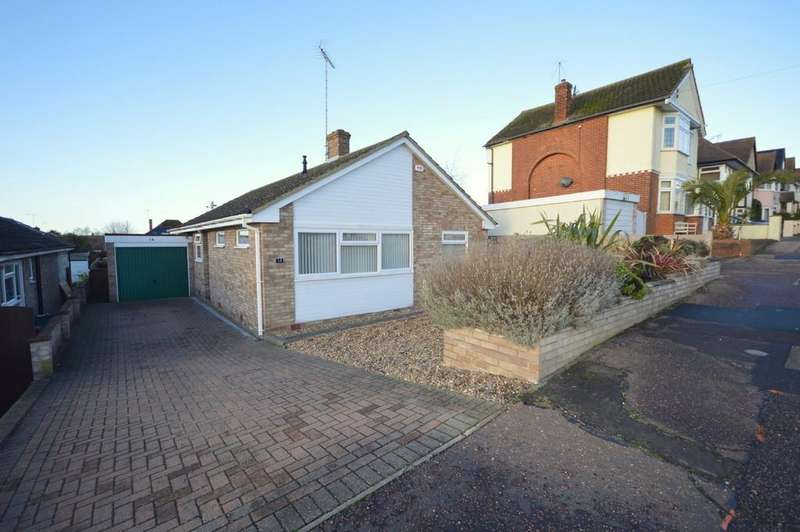 3 Bedrooms Detached Bungalow for sale in Seafield Road, Dovercourt