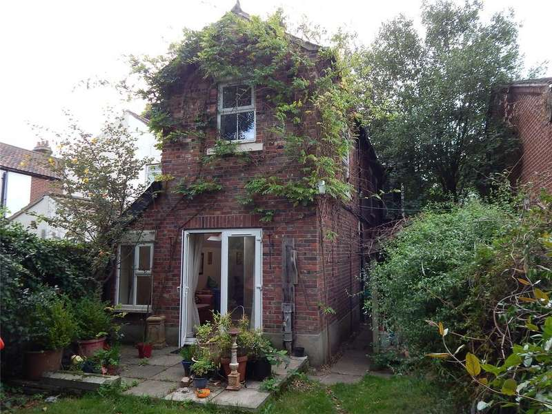 4 Bedrooms Semi Detached House for sale in Aylsham Road, Norwich