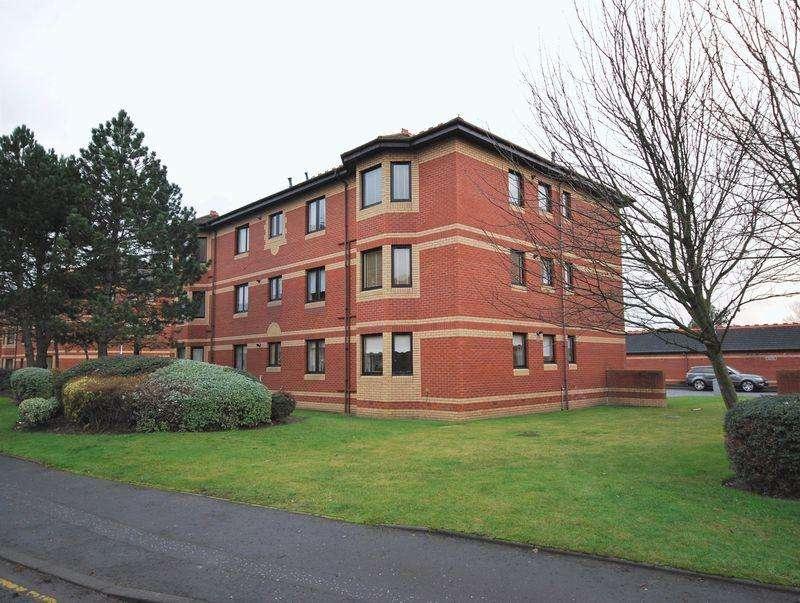 2 Bedrooms Flat for sale in 4G Monkton Court, Prestwick, KA9 1EN