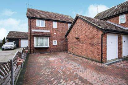 4 Bedrooms Detached House for sale in Fieldfare Green, Luton, Bedfordshire, England