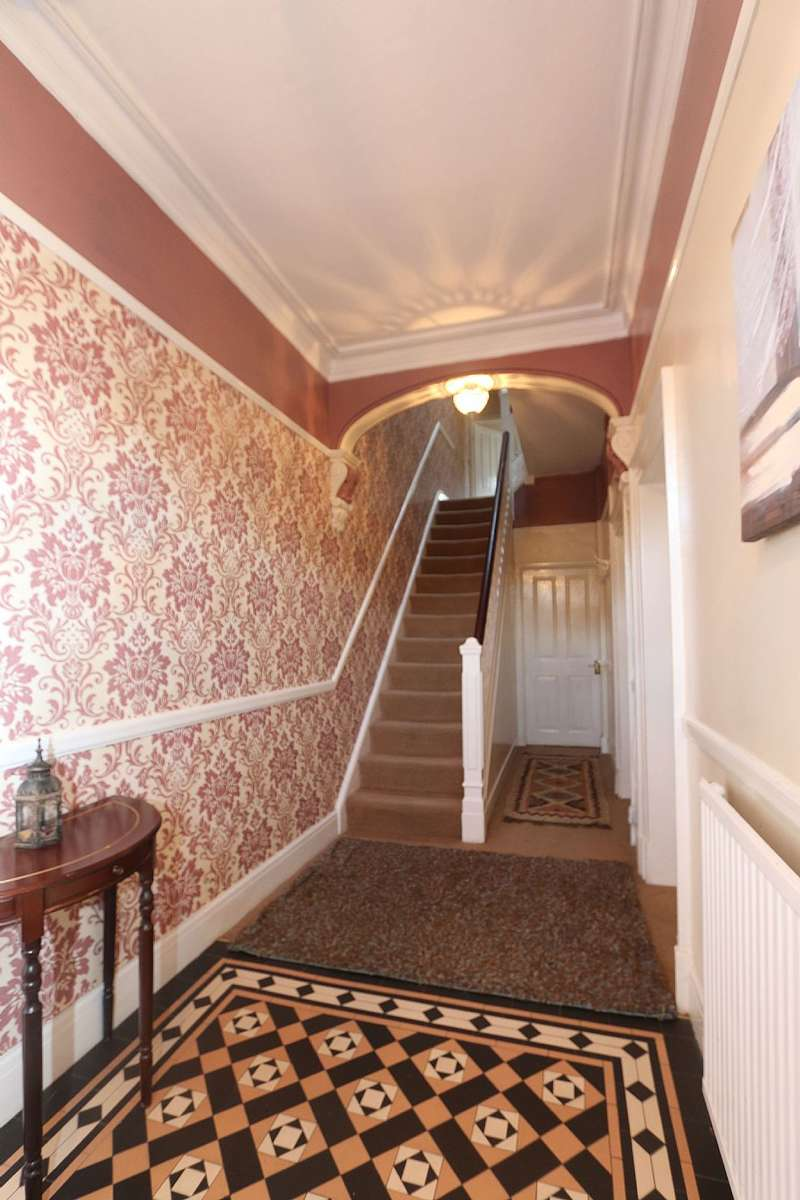 4 Bedrooms Terraced House for sale in London Road, Northwich, Cheshire, CW9 5HQ