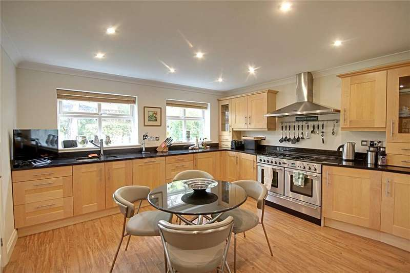 6 Bedrooms Detached House for sale in South View, Eaglescliffe