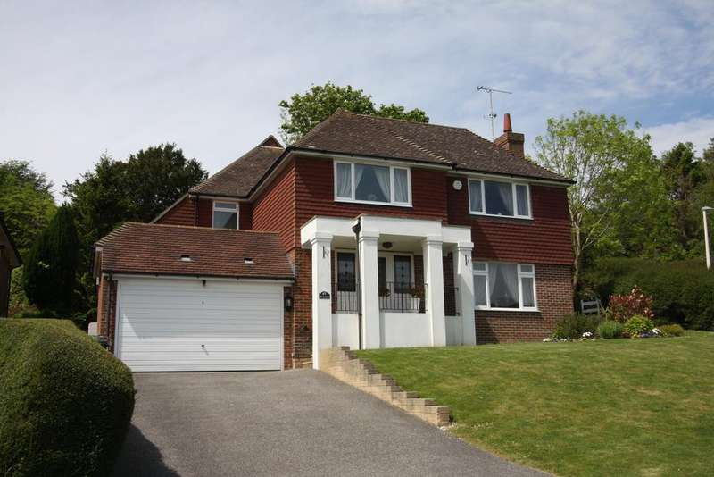 5 Bedrooms Detached House for sale in Upper Ratton Drive, Eastbourne BN20