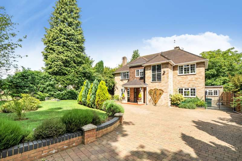 4 Bedrooms Detached House for sale in Moor Park, Rickmansworth