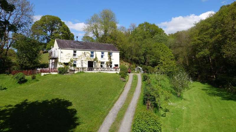 6 Bedrooms Detached House for sale in Babel, Llandovery