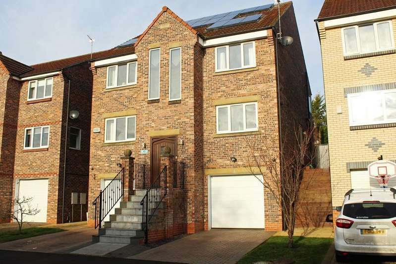 5 Bedrooms Detached House for sale in Greens Valley Drive, Stockton On Tees, TS18