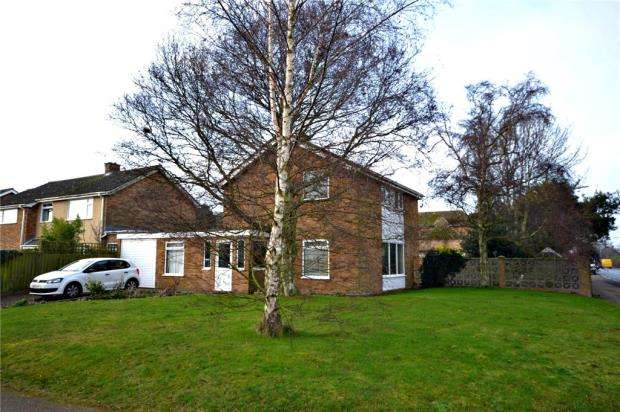 4 Bedrooms Detached House for sale in Picketts Road, Felixstowe