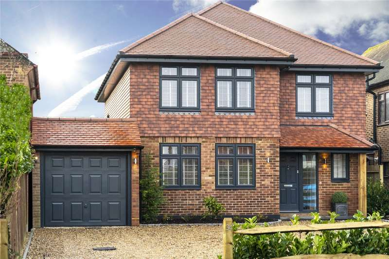 4 Bedrooms Detached House for sale in Bousley Rise, Ottershaw, Chertsey, Surrey, KT16