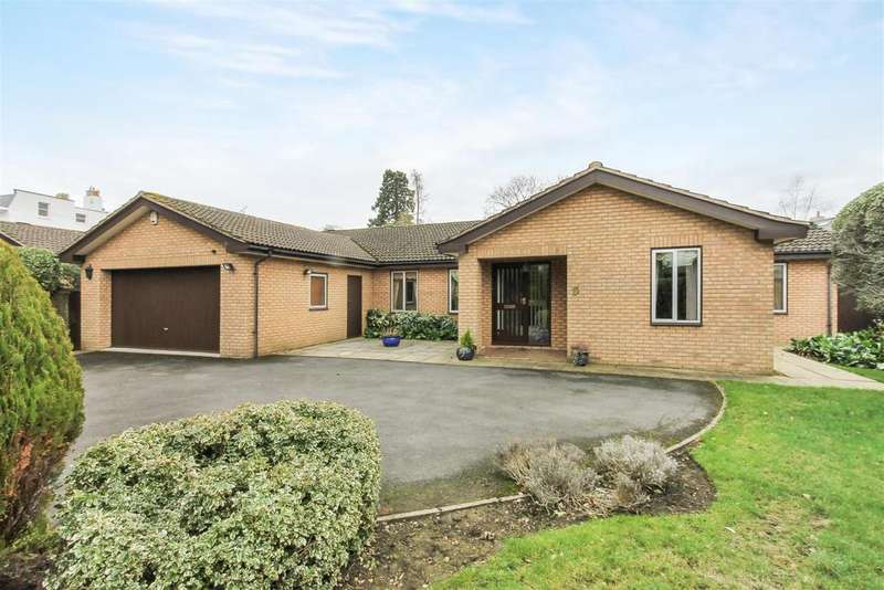 4 Bedrooms Detached Bungalow for sale in St. Stephens Manor, Cheltenham
