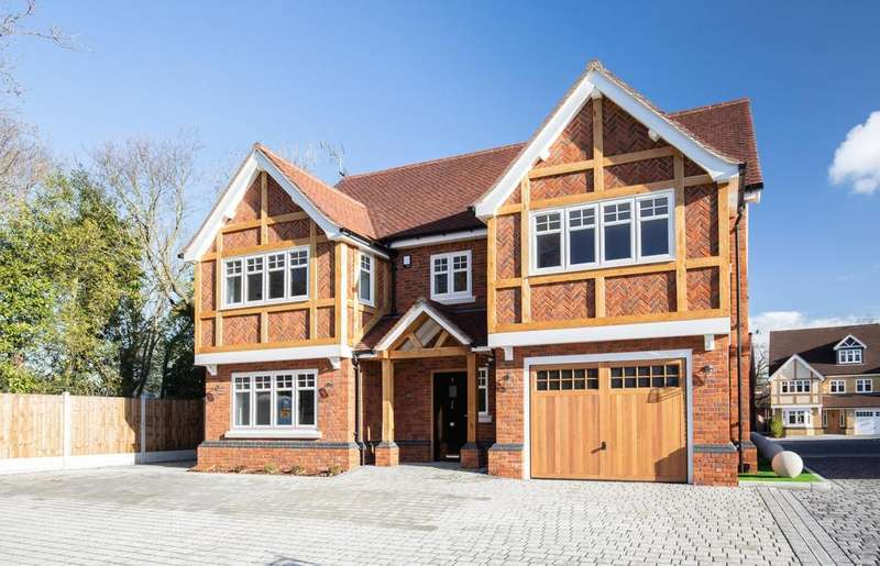 6 Bedrooms Detached House for sale in Church Mews, Church Road, Hockley, Essex, SS5