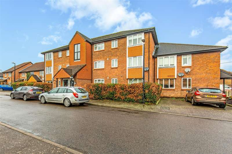 2 Bedrooms Flat for sale in Atterbury Close, Westerham
