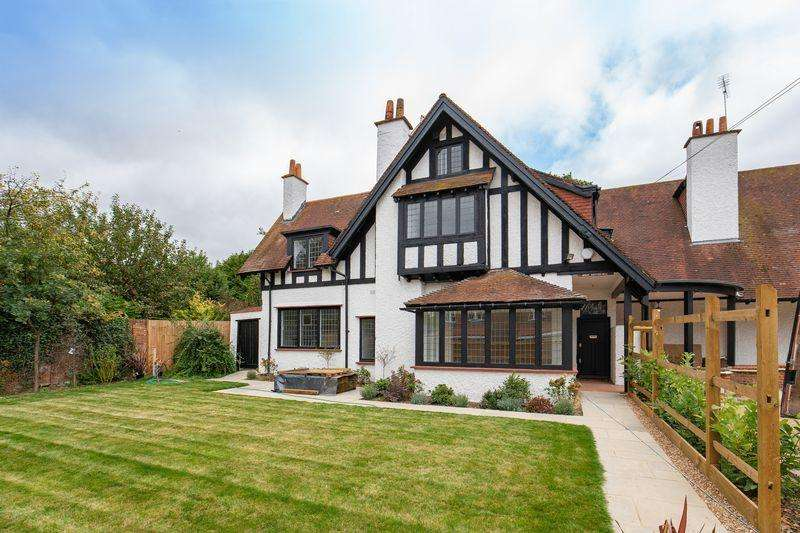4 Bedrooms House for sale in West Dippingwell, Beaconsfield Road, Farnham Common, Buckinghamshire