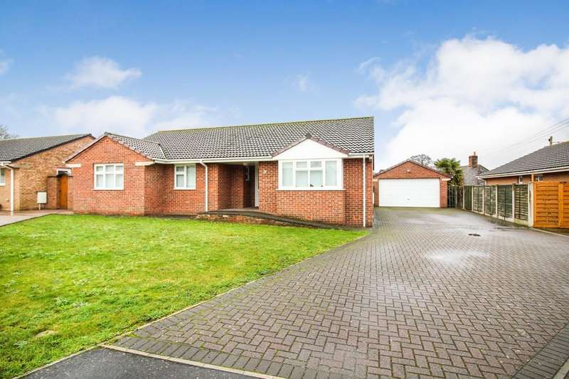 3 Bedrooms Detached Bungalow for sale in Poppy Close, Upton