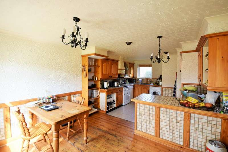 2 Bedrooms Terraced House for sale in Brain Close, Hatfield, Hertfordshire, AL10
