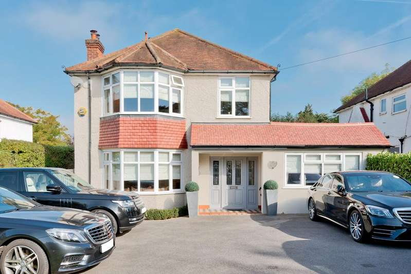 4 Bedrooms Detached House for sale in Cheam Road, East Ewell KT17 3EG
