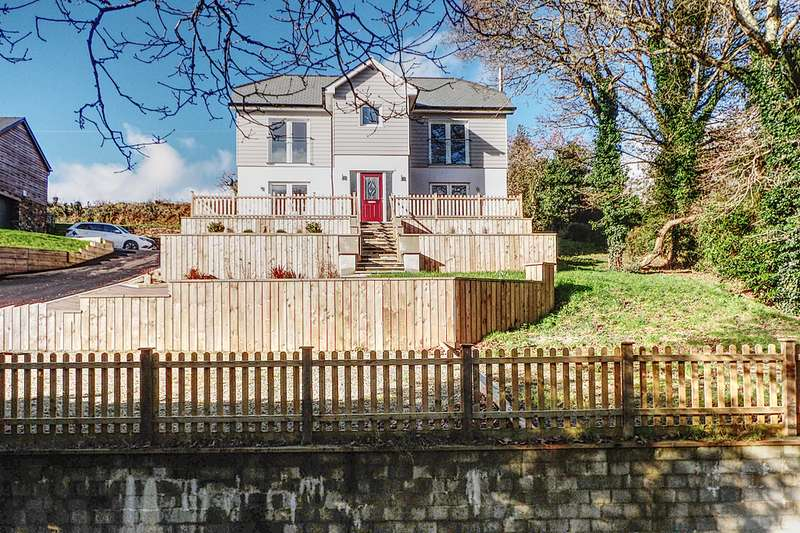 5 Bedrooms Detached House for sale in Tresillian TR2